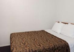 阿纳海姆西戴斯酒店 - 安纳海姆 - 睡房