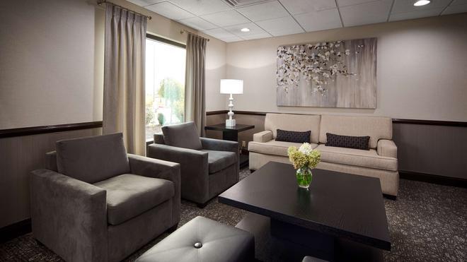 西佳套房酒店 - 哥伦布 - 休息厅