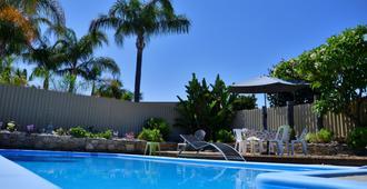 棕榈住宿加早餐酒店 - 珀斯 - 游泳池