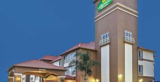 休斯敦霍比机场拉金塔旅馆及套房 - 休斯顿 - 建筑