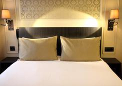乐蒙马特圣皮埃尔酒店 - 巴黎 - 睡房