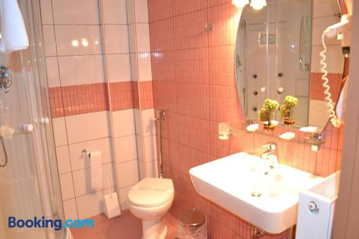 克里克尼斯套房酒店 - 约阿尼纳 - 浴室