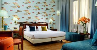 日内瓦大陆酒店 - 热那亚 - 睡房