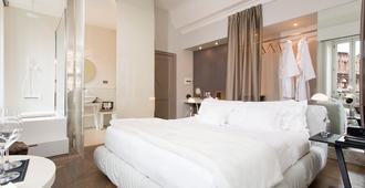 曼菲蒂宫酒店-瑞雷斯与城堡 - 罗马 - 睡房