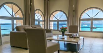佩尔拉罗莎酒店 - 鲁斯岛 - 客厅