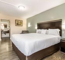 罗德威巴斯托酒店