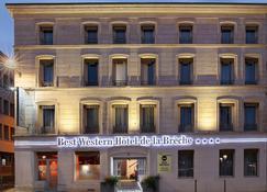布雷什西佳酒店 - 尼奥尔 - 建筑