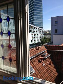 汉斯厅夫劳恩酒店 - 汉堡 - 阳台