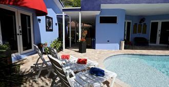 幻想岛旅馆 - 劳德代尔堡 - 游泳池