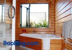 汉默温泉小木屋汽车旅馆 - 汉默温泉 - 浴室