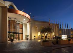 科林斯湾滨海度假酒店 - 圣朱利安斯 - 建筑