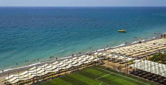 萨菲拉豪华度假村及水疗中心 - 式 - 阿萨拉尔 - 海滩