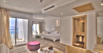 法拉丹吉尔酒店 - 丹吉尔 - 睡房