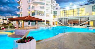 法拉丹吉尔酒店 - 丹吉尔 - 游泳池
