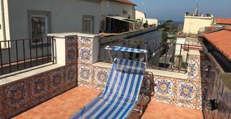 伊姆梅拉魅力宅邸酒店 - 圣安吉洛 - 阳台