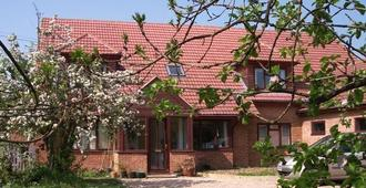 韦斯特格兰奇家庭式酒店 - 坎特伯雷 - 睡房
