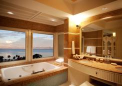 塞班岛凯悦酒店 - 加拉班 - 浴室