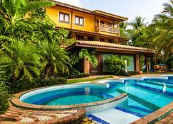 珊瑚街旅馆 - 马塔-迪圣若昂 - 游泳池