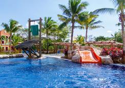 巴塞罗玛雅克鲁尼酒店 - 式服务 - 卡曼海灘 - 游泳池
