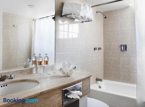 弗朗西亚阿瓜斯卡连特斯酒店 - 阿瓜斯卡连特斯 - 浴室