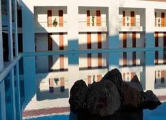 坎特拉瓜高尔夫牧场酒店 - 孔特佩克 - 建筑