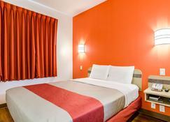 内布拉斯加科尔尼 6 号汽车旅馆 - 科尔尼 - 睡房