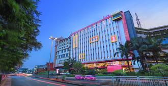 Pgc西利利坦法维酒店 - 东雅加达 - 建筑