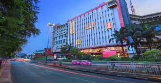 Pgc西利利坦法维酒店 - 东雅加达