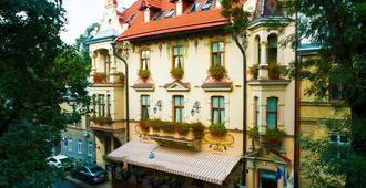肖邦酒店 - 利沃夫