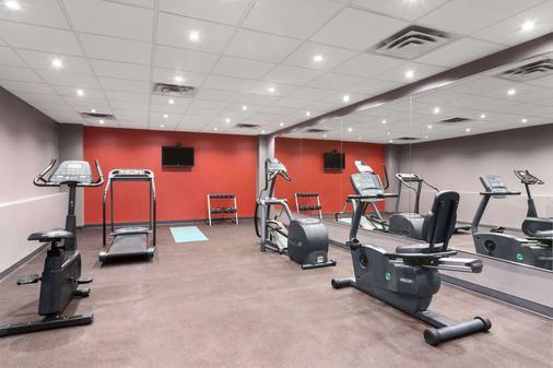 渥太华市中心戴斯酒店 - 渥太华 - 健身房