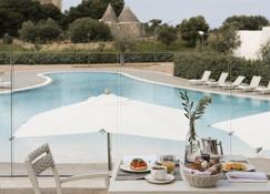卡拉浦酒店 - 滨海波利尼亚诺 - 游泳池