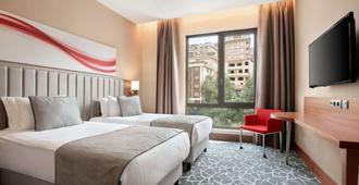 伊斯坦布尔阿里贝科伊温德姆华美达酒店 - 伊斯坦布尔 - 睡房