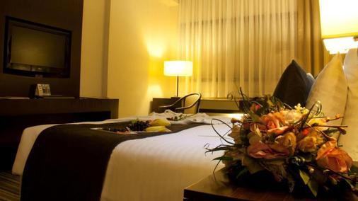 迪拜阿瓦瑞酒店 - 迪拜 - 睡房