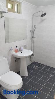梦幻森林公寓 - 西归浦 - 浴室