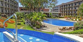 贝斯特韦斯特伊拉祖酒店 - 圣荷西 - 游泳池