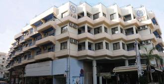 中庭泽农公寓酒店 - 拉纳卡 - 建筑