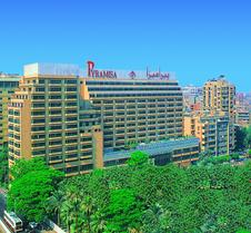 开罗皮拉米萨套房酒店