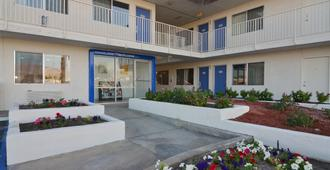 印第安人六号汽车旅馆 - 棕榈泉区 - 印地欧 - 建筑