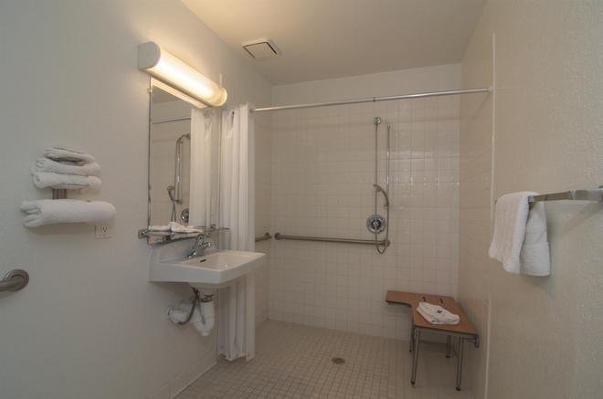 印第安人六号汽车旅馆 - 棕榈泉区 - 印地欧 - 浴室