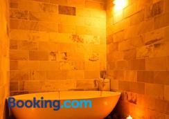 戈兰平约卡布什度假村 - 石垣市 - 浴室