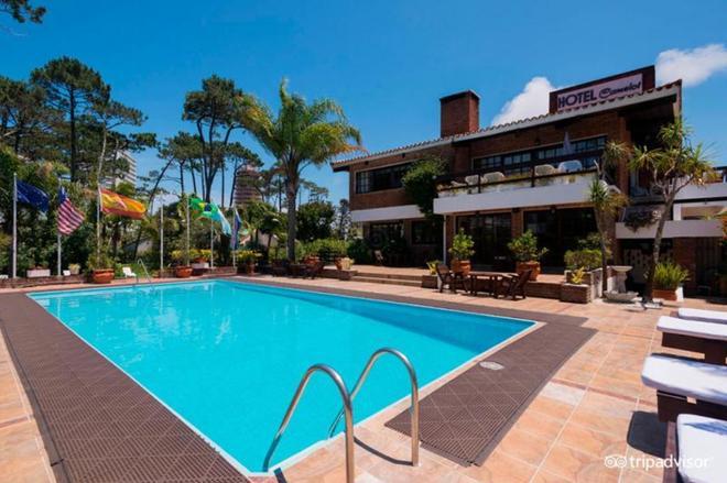 卡米洛特酒店 - 埃斯特角城 - 游泳池