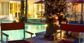 棕榈泉邂逅住宿加早餐旅馆 - 棕榈泉 - 游泳池