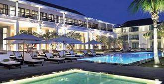 曼谷沙吞U酒店 - 曼谷 - 游泳池