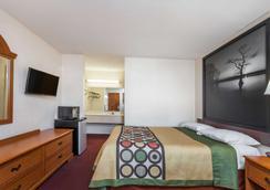哥伦比亚/杰克逊堡速8汽车旅馆 - 哥伦比亚 - 睡房