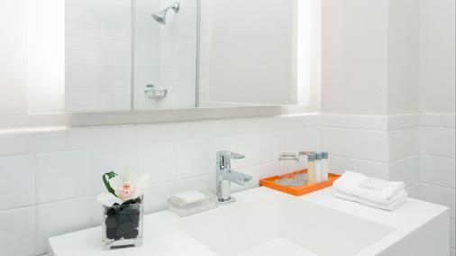 阿菲尼亚纽约市曼哈顿酒店 - 纽约 - 浴室