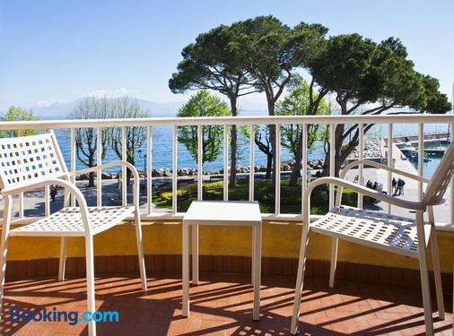 维托里奥酒店 - 代森扎诺-德尔加达 - 阳台
