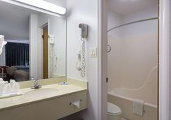 湖市I-75罗德威酒店 - 湖城 - 浴室