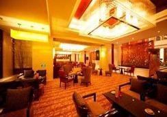 扬州华美达凯莎酒店 - 扬州 - 酒吧