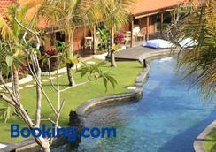 瑜伽寻找者巴厘岛度假村 - 乌鲁瓦图 - 游泳池