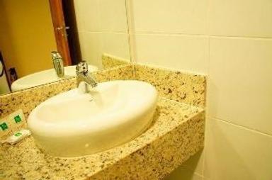 舒适村庄酒店 - 若昂佩索阿 - 浴室